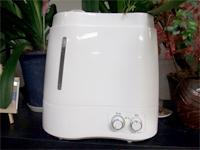 グリーンアクア超音波霧化器除菌水を噴霧し空間全体を除菌