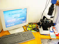 ペリオセーバー・位相差顕微鏡歯垢を拡大し、除菌前後を比較
